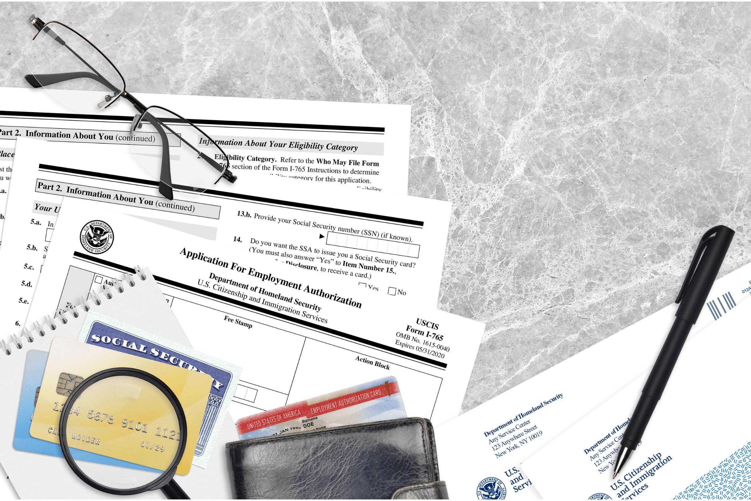 Combo Card: Saiba como trabalhar e viajar enquanto espera ajuste de status!